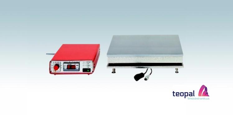 Digitaalinen laboratorio-lampolevy poytamallisella saatoyksikolla eli saatimella