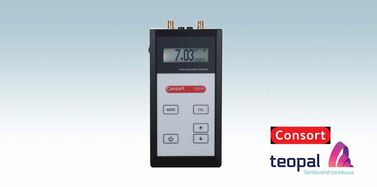 Kannettava Consort C5010 pH/johtokyky/happi-mittari